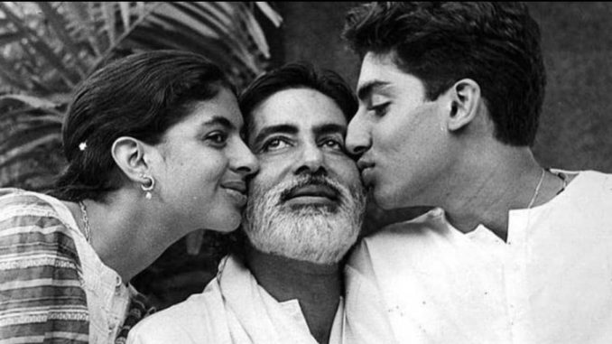 Amitabh Bachchan with Shweta and Abhishek