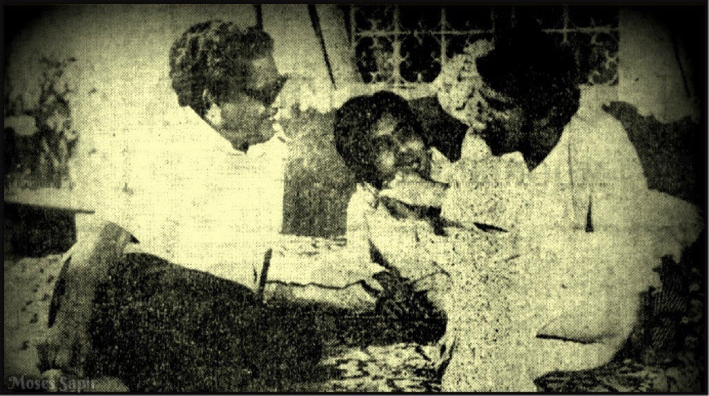 Amitabh Bachchan and Basu Chatterjee at the set of Manzil